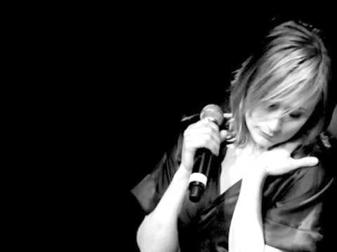 Hooverphonic - Eden (live acoustic version 2008)
