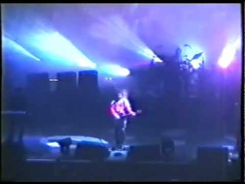 The Cure - Numb (live in Lille, 1996)