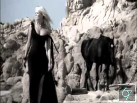 Roger Shah & Tenishia feat. Lorilee - Catch A Cloud