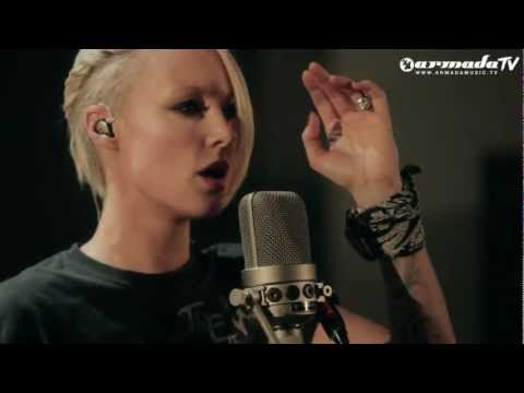 ‪Emma Hewitt - Starting Fires (Live Acoustic Session Part 1) (From: Starting Fires EP)‬